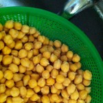 Can of Chickpeas? Make Your Own Blender Hummus in 5 Minutes