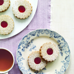 Hazelnut Raspberry Sandwich Cookie Wreaths