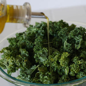 kale_olive-oil_esimpraim_flickr_post