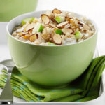 Morning Dazzle: Grated Apple Oatmeal with Walnuts & Maple Syrup