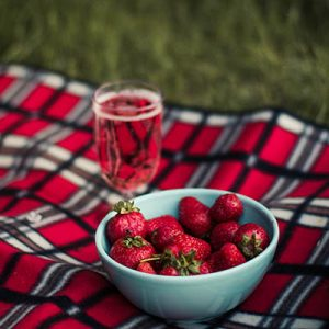 picnic strawberries