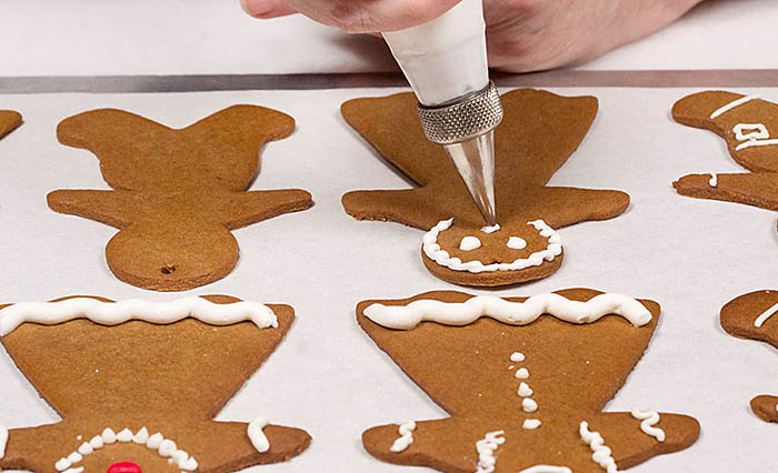 Making Gingerbread Folks_Royal Icing recipe