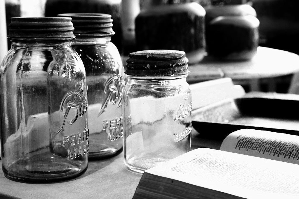 mason jars_Derek A._Flickr